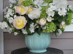 Week 21 // Slow Flowers Challenge with Mock Orange and Garden Peonies Mock Orange, Peonies Garden, Design Projects, Flower Arrangements, Glass Vase, Floral Design, Bouquet, Challenges, Flowers