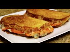 Grilled Cheese & Tomato Sandwich - OR if You Don't Like Tomato.Just Plain Grilled Cheese Sandwich! SO delicious.my family is obsessed with this recipe! Panini Recipes, Steak Recipes, Cooking Recipes, Easy Delicious Recipes, Yummy Food, Easy Recipes, Steak And Cheese Sub, Ideas Sándwich, Queso Fundido