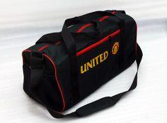 tas manchester united travel bag. kode barang: TBMU. harga: 100rb. SMS/WA/LINE: 085736078627 BBM: 54619660