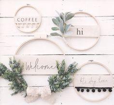 Items similar to Modern Boho Embellished Embroidery Hoop Wreath// Spring Wreath// Custom Wreath// wall decor// wall art// Front Door Wreath// Wedding Decor on Etsy - DIY - Blumenkranz Front Door Decor, Wreaths For Front Door, Letter Door Wreaths, Front Doors, Corona Floral, Embroidery Hoop Crafts, Modern Wreath, Art Mural, Modern Boho