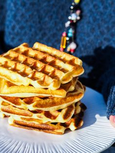 Ultra soft waffles - My Parisian Kitchen - Trend Cake Toppings 2019 Kinds Of Desserts, Köstliche Desserts, Delicious Desserts, Crepes, Waffle Bar, Cuisine Diverse, Cupcakes, Cake Toppings, Morning Food