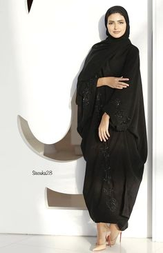 Hijab Fashion Inspiration, Style Inspiration, Abaya Pattern, Modern Abaya, Female Fashion, Womens Fashion, Abaya Designs, Abaya Style, Modest Wear