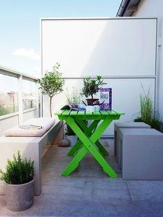 terrasse balkon-möbelideen grüner tisch