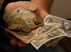 Mønter og sedler. © Jan Høst-Aaris