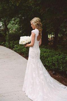 Elegant Lace Appliques Wedding Dress With Zipper Button-Pgmdress