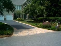 #AsphaltDriveway #contractor in NYC. We are here to provides Asphalt Driveway Services at cheap rates. Visit us at http://www.grconstructionus.com/driveways.htm for further details.
