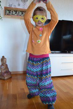 Parachute Pants, Harem Pants, Couture, Facebook, Fashion, Velvet, Moda, Harem Trousers, Fashion Styles