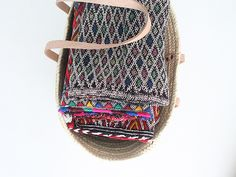 moroccan cushion. cojines bereberes. dar amïna shop