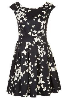 Un vestido elegante y romántico