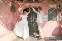 Santorini Photographer, Wedding Photographer in Santorini Santorini Photographer, Photographer Wedding, Couple Photography, Wedding Photography, Things To Do In Santorini, Wedding Honeymoons, Romantic Vacations, Santorini Greece, 5 Things