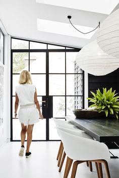 Tour Helen Robbins' Newly Renovated Monochromatic Sydney Home : Elle