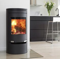 Small wood burning stoves from to output power. We have a range of over 200 small log burning multi fuel stoves, all ideal for small rooms. Foyers, Corner Wood Stove, Small Wood Burning Stove, New Stove, Log Store, Multi Fuel Stove, Cast Iron Stove, Wood Shed, Log Burner
