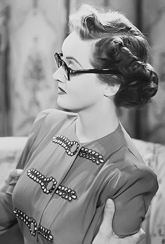 Isabelle, Puerto Rican, Please note: I do not take requests. on the site Golden Age Of Hollywood, Hollywood Glamour, Hollywood Stars, Hollywood Actresses, Classic Hollywood, Old Hollywood, Hollywood Lights, Hollywood Icons, Fringe Hairstyles