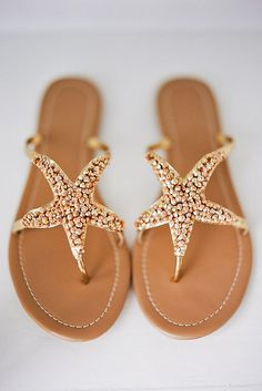 Tap into Your Grecian Goddess with Greek Inspired Sandals Beachy Seestern Sandalen: www. Cute Shoes, Me Too Shoes, Starfish Sandals, Shoe Boots, Shoes Sandals, Flat Sandals, Flats, Slide Sandals, Trendy Sandals
