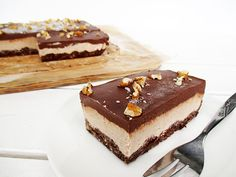 No-Bake Vegan Gluten-free Refined-Sugar-Free Walnut Chocolate Slices Recipe - Glutenfreie Walnuss Schoko Schnitte Rezept