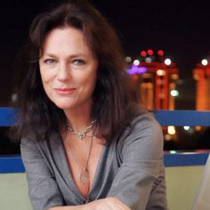 Jacqueline Bisset aged 67. Beauty and talent ageing with grace.