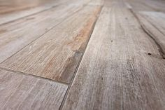 This tile family can be found at 638560 - Countryhouse Concrete Floors, Hardwood Floors, Flooring, Interior And Exterior, Interior Design, Steps Design, Small Buildings, Cool Furniture, Living Spaces