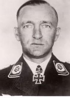 ✠ Ludwig Schulz (4 August 1896 - 10 December 1966) RK 16.08.1940 Major Kdr I./KG 76 19.02.1945 [747. EL] Generalmajor Kdr d. Luftkriegsschule 5 Breslau u. Fhr d. Kgr der Luftkriegsschule 5 i. d. Festung Breslau