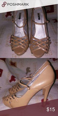 Beautiful Carmel Heels by Bakers Carmel colored heels by Bakers shoes. Bakers Shoes Heels