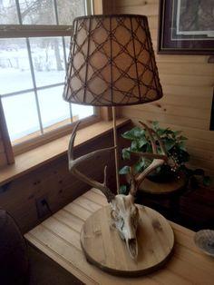 DIY Deer Skull Lamp idea for your country inspired man cave. Deer Skull Art, Deer Skulls, Skull Decor, Deer Lamp, Antler Lamp, Deer Hunting Decor, Hunting Stuff, Country Man Cave, Man Cave Lamps