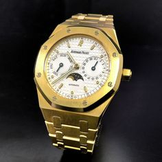 Audemars Piguet is shining with this Yellow Gold $15800 Dream Watches, Luxury Watches, Rolex Watches, Audemars Piguet Watches, Audemars Piguet Royal Oak, Jewels, Yellow, Hot, Accessories