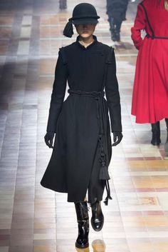Lanvin - Fall 2015 Ready-to-Wear - Look #winter #pfw #paris #womenswear #runway #catwalk