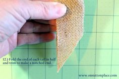 Easy DIY tutorial with pictures on how to make a bow for a wreath! Instructions include how to make a burlap bow with no sewing. Easy Fall Wreaths, Diy Spring Wreath, How To Make Wreaths, Diy Wreath, How To Make Bows, Wreath Crafts, Diy Bow, Diy Ribbon, Burlap Bow Tutorial