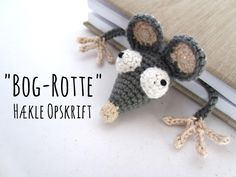marque-page Rat au crochet Amigurumi Crochet Rat Bookmark Featured Image Crochet Bookmark Pattern, Crochet Bookmarks, Crochet Books, Crochet Crafts, Crochet Projects, Free Crochet, Knit Crochet, Crochet Mouse, Crochet Amigurumi