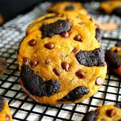 Vegan-Kürbis-Schokoladen-Chip-Plätzchen-Rezept Kürbis gefüllte Schokoladenplätzchen mit warmen Kürbis-Gewürz (freies Ei frei Molkerei glutenfrei).  Lebensmittel-Allergie-freundlich.