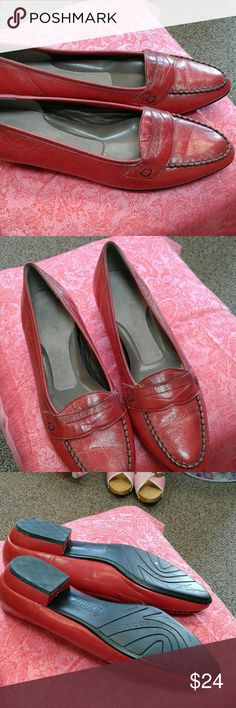 Red Easy Spirit Leather Loafers Leather Narrow Red Loafers Very good condition Easy Spirit Shoes Flats & Loafers