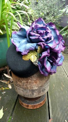 Cocktail Hat 1940s floral style, Women's handmade felt topper