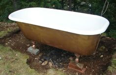 simple hot tub with cast iron tub. Garden Bathtub, Outdoor Bathtub, Diy Bathtub, Outdoor Bathrooms, Bath Tub, Outdoor Sauna, Outdoor Showers, Bathtub Decor, White Bathrooms