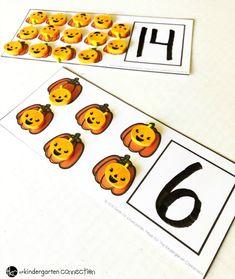 Free Dry Erase Pumpkin Counting Cards for Kindergarten math centers! Fall Preschool Activities, Numbers Preschool, Preschool Math, Fun Math, Kindergarten Centers, Math Centers, Math Stations, Thanksgiving Math, Halloween Math