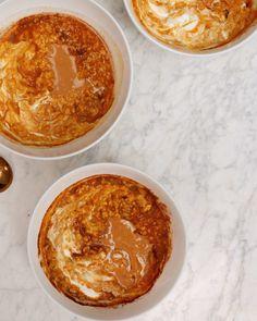 2 Minute Pumpkin Porridge Pumpkin Oatmeal, Canned Pumpkin, Pumpkin Pie Spice, Pumpkin Puree, Sweet Potato Breakfast, Easy Healthy Breakfast, Greek Yogurt And Peanut Butter, Dairy Free Recipes, Meat Recipes