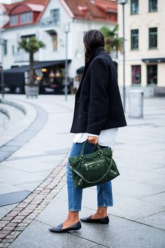 casual yet stylish everyday outfit Classy Outfits, Casual Outfits, Cute Outfits, Fashion Outfits, Fashion Styles, Fashion Ideas, Balenciaga Bag, Fashion Corner, Autumn Winter Fashion