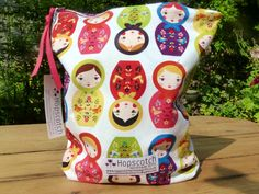 I love Russian dolls :) Oilcloth, Hopscotch, Dolls, Bags, Baby Dolls, Handbags, Puppet, Doll, Baby