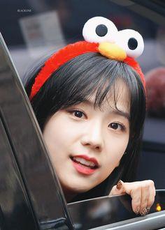 180128 Blackpink Kim Jisoo at SBS Inkigayo © blackline do not edit, crop, or remove the watermark