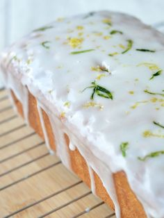 The Crazy Kitchen: Courgette & Lemon Madeira Cake Lemon Madeira Cake, Madeira Cake Recipe, Courgette Cake Recipe, New Recipes, Cake Recipes, Crazy Kitchen, Just Cakes, Mini Cheesecakes, Everyday Food
