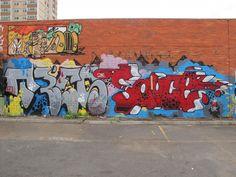 deansunshine_landofsunshine_melbourne_streetart_graffiti_peoples market over and out 6