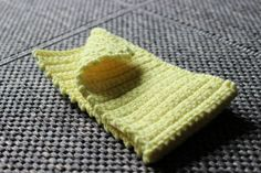 Kiinteillä silmukoilla kännykkäpussi Easy Crochet, Handicraft, Knitted Hats, Diy And Crafts, Textiles, Blanket, Knitting, Sewing, Illustration