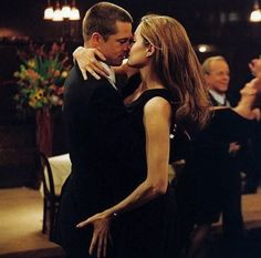 """Brad Pitt and Angelina Jolie in """"Mr Mrs Smith"""" Brad Pitt And Angelina Jolie, Angelina Jolie Photos, Jolie Pitt, Le Jolie, Shall We Dance, Just Dance, Mr And Miss Smith, Everybody Dance Now, Selena G"""