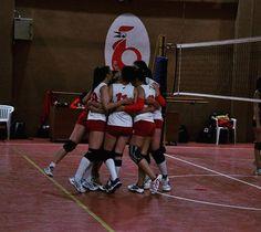 Reposted from @nenecestari  #volleyball #volley #beachvolleyball #TagsForLikes #vball #TagsForLikesApp #volleyballplayer #vleague #instavolley #voleybol #setter #spike #volleyballislife #spiking #ball #net #court #volleyjump