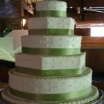 Amanda of Amanda's Cakery in Macon GA can make delicious and beautiful cakes.  Plus, the customer service is outstanding!