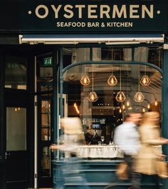 People Are Losing It over this Fantastic London Oyster Bar, . People Are Losing It over this Fantastic London Oyster Bar, Seafood Shop, Seafood Menu, Seafood Pasta Recipes, Seafood Restaurant, Seafood Bisque Recipe Easy, Oyster Bar Restaurant, Best Oysters, Fish And Chip Shop, Raw Bars