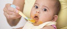 Für Mama und Baby ist es ein großer Moment, wenn Baby seinen ersten Löffel Brei bekommt. Viele Mamis wollen dafür kein Gläschen nehmen, sondern den Babybrei selber kochen...