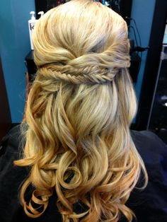 If Jenn decides she's ok with mixing up hair styles, this could be nice (esp if others have braids in their updos).