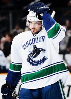 Ryan Kesler, Vancouver Canucks Ryan Kesler, Sport Cakes, Vancouver Canucks, National Hockey League, Ice Hockey, My Passion, Nhl, Coaching, Hockey Stuff