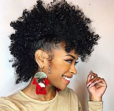 Frohawk Hairstyle: A Popular Mohawk Derivative for Curly Girls Natural Hair Styles black natural hair mohawk styles Girls Natural Hairstyles, Latest Hairstyles, Black Women Hairstyles, Girl Hairstyles, Braided Hairstyles, Bridesmaid Hairstyles, Medium Length Natural Hairstyles, Beautiful Hairstyles, Pelo Afro