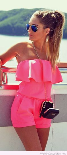Sweet pink jumpsuit with accessories