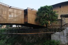 Escola-Ponte / Li Xiaodong Atelier